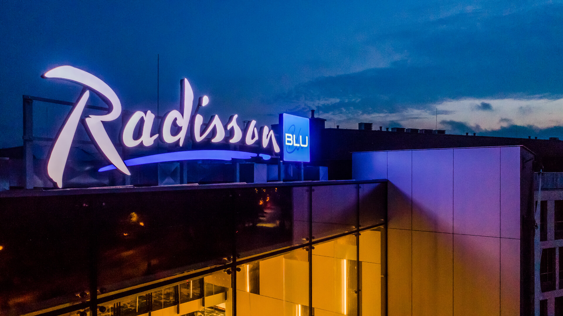 radisson ltery - led-letters-logo-radison-poland-sopot-3d-chanel-letters